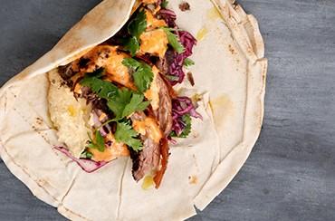 Kebab med rødkålsalat